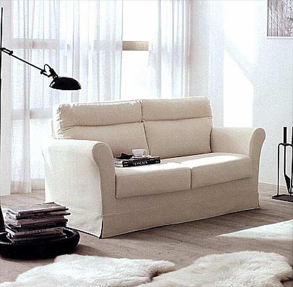 Couch NICOLINE SALOTTI PETIT PICCOLA SARTORIA HISTORY