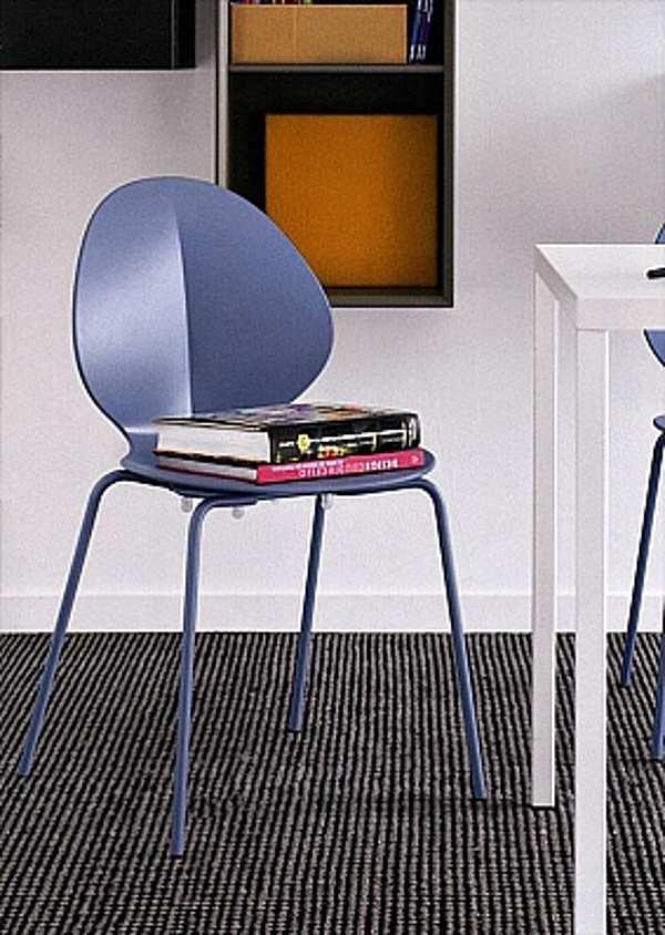 Der Stuhl CALLIGARIS CS1359 News Estate 2012