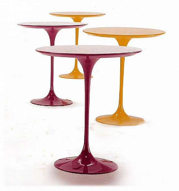 Tisch GIOVANNETTI Saarinen Color arancia