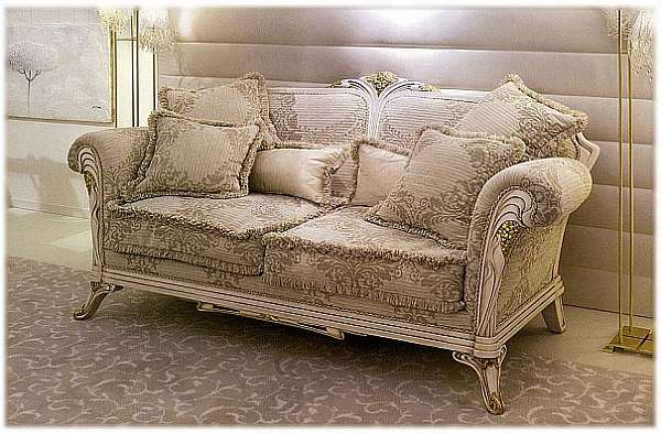 Couch MEDEA 562 Liberty collection