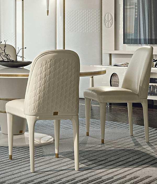 Der Stuhl FRANCESCO PASI 9011 Ellipse