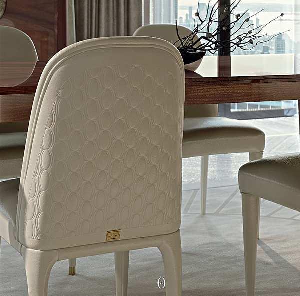 Der Stuhl FRANCESCO PASI 9011